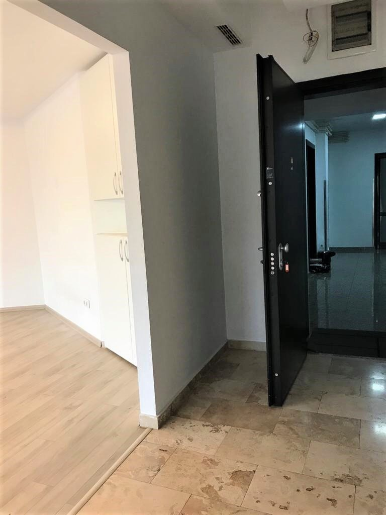 APARTMENT  WITH TERRACE FOR SALE IN CENTRAL AREA